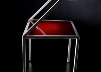 Fe.12 sedia rossa profilo